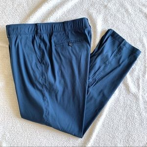 Under Armour Loose fit pants 40/32